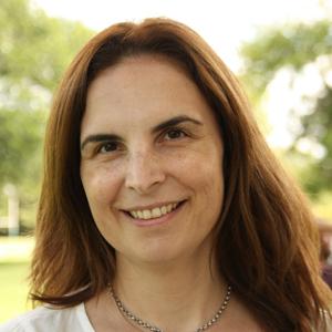 Lic. Carolina Cassiello. Consultora en Desarrollo Personal y Organizacional  Fundación Trabajo Feliz VER MÁS