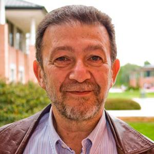 Dr. Ernesto GoreProfesor y Consultor en desarrollo organizacional y educación ejecutivaVER MÁS